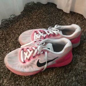 Nike lunarlon sneakers size 7
